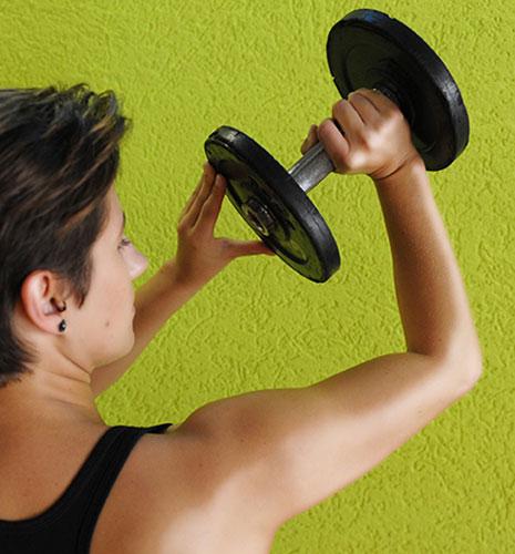 Training bei Schulterschmerzen - Die Fitnessfee - Johanna..